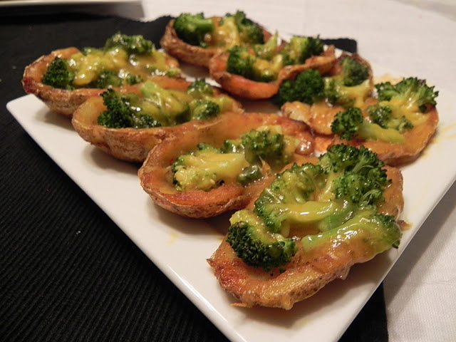 These Broccoli and Cheddar Potato Skins are vegetarian and gluten free ...