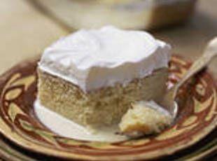 ... That!   Coconut Tres Leches Cake (Pastel de Tres Leches con Coco