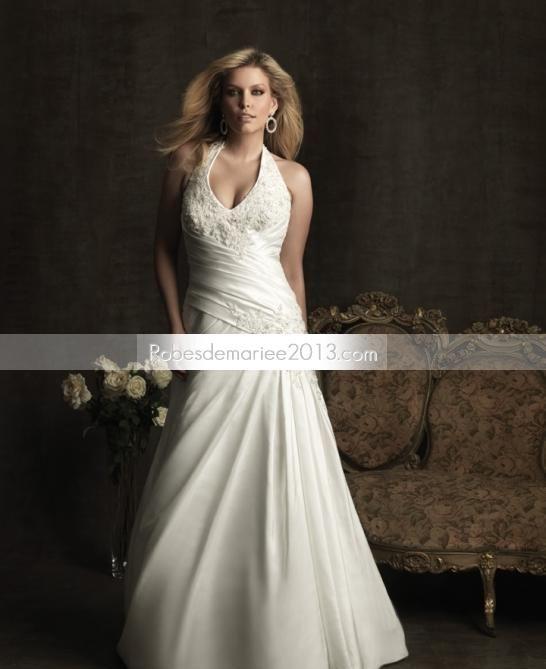 ... line Chapelle Floor-length et froncé Taille Plus robe de mariée