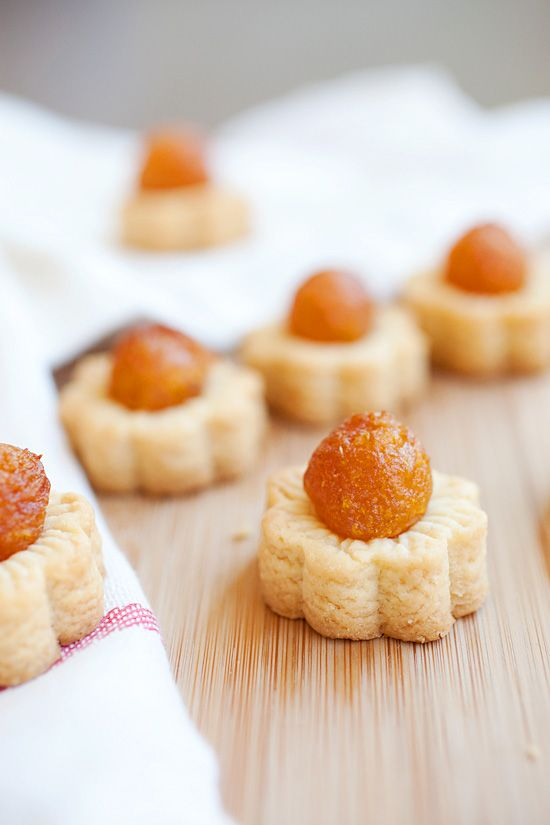 Pineapple Tarts is a must-have for Chinese New Year. They are so tasty ...