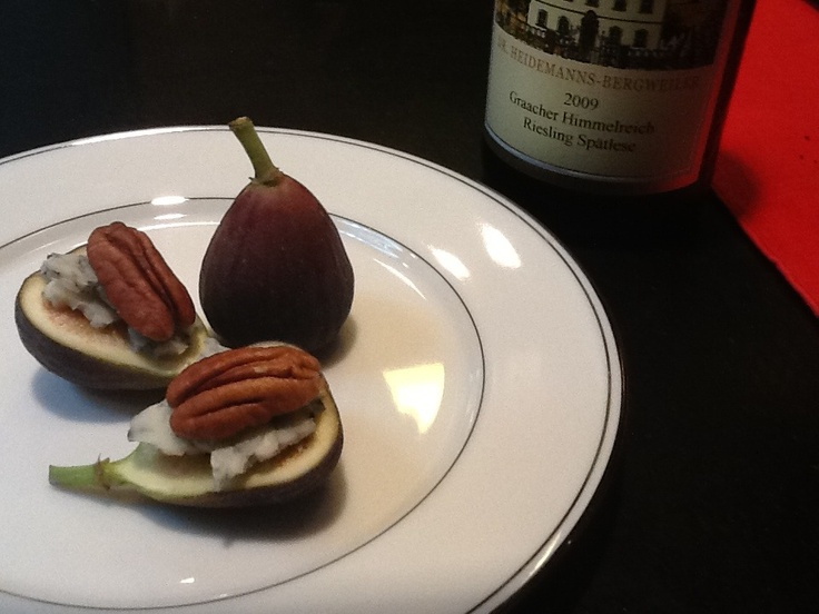 """whoops"""" fig, blue cheese and pecan crostini by Food Fascination"""