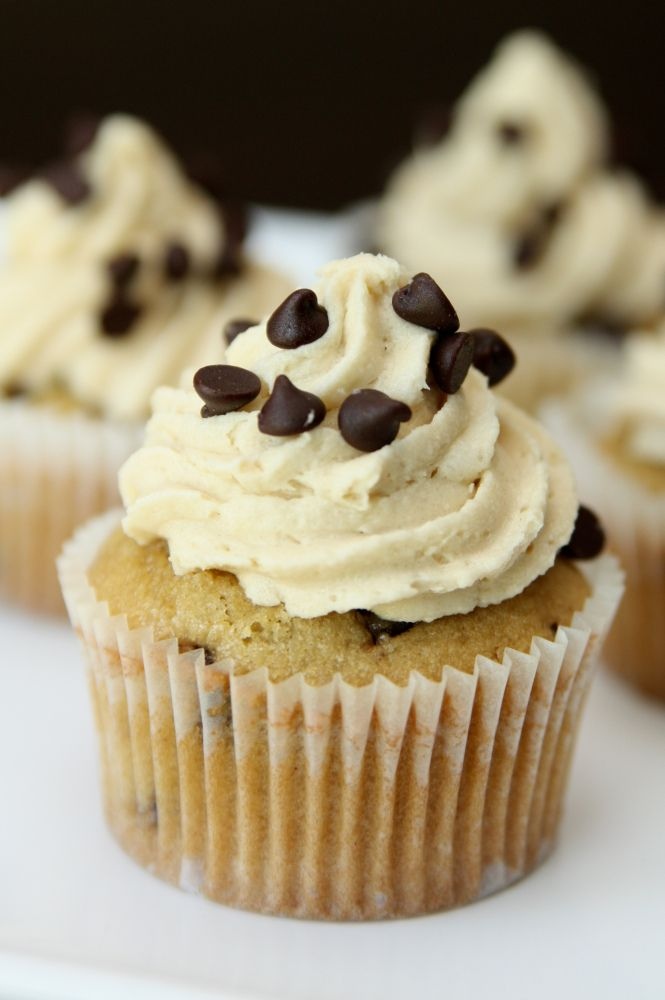 Chocolate Chip Cookie Dough Cupcakes | food/baking | Pinterest
