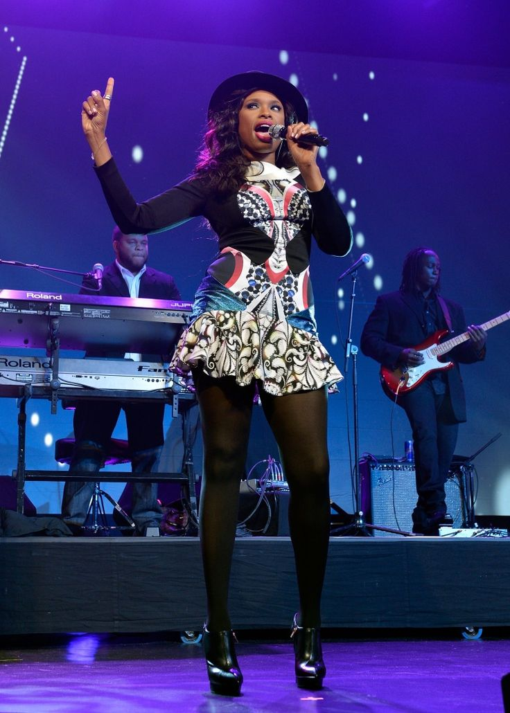 """""""And I am telling you!"""" Jennifer Hudson lays it all on the line during a performance at the Walter Kaitz Foundation 30th Anniversary Kaitz Dinner on Oct. 9 in New York"""