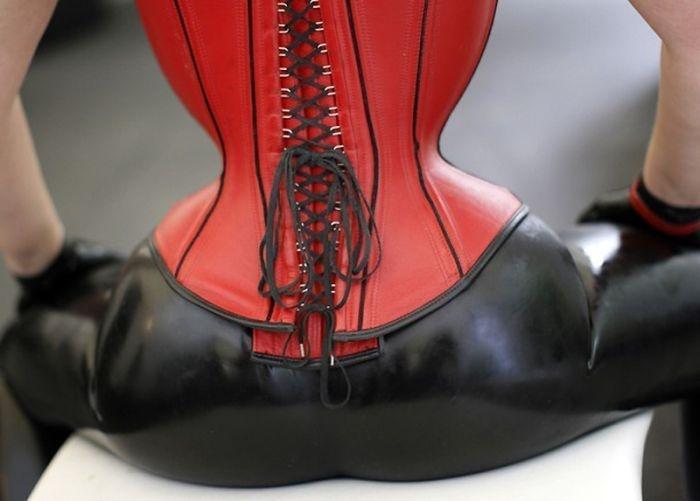 Extreme corset fetish