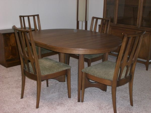 Dining table craigslist denver dining table for Dining room tables craigslist