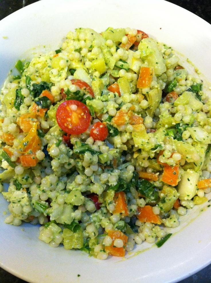 Summer pasta salad with fresh vegetables & artichoke pesto