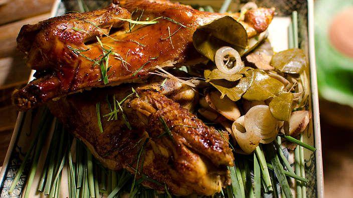 Poultry [easy, braise] | Cambodian claypot cola chicken recipe ...
