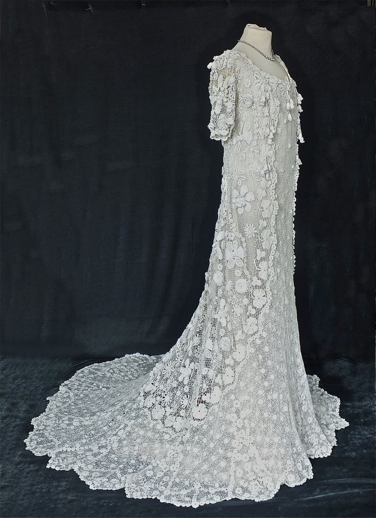 Irish crochet wedding dress circa 1905 for Crochet lace wedding dress pattern