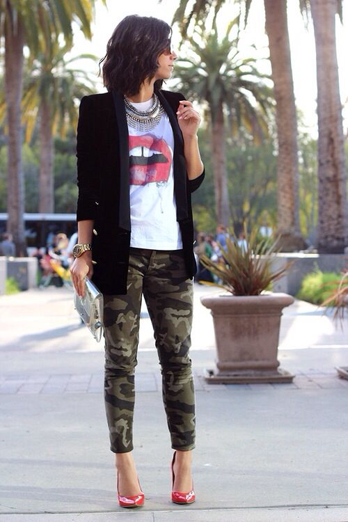 Cute top w/ Camouflage pants