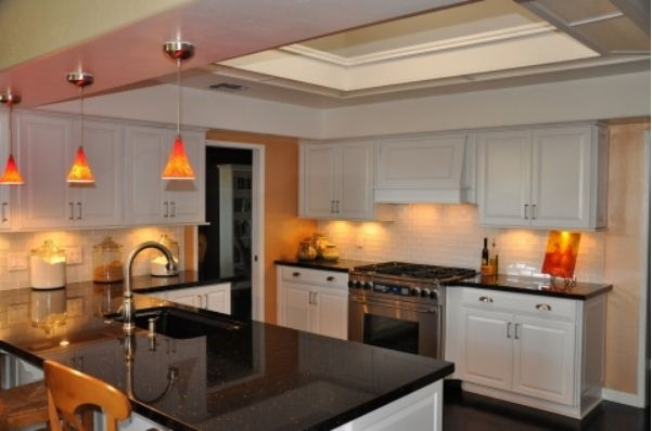Kraftmaid dove white kitchen white kitchens pinterest for Kraftmaid coreguard