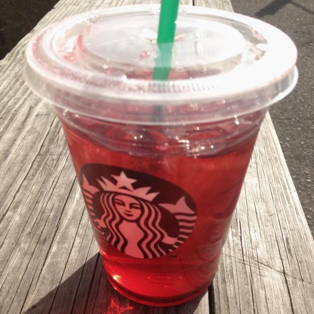 Starbucks Passion Fruit Iced Tea   Num Nums   Pinterest