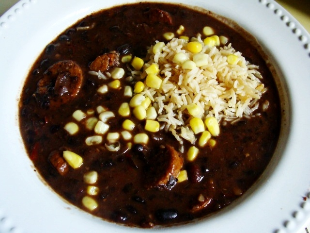 Cuban Black Bean Soup with Spicy Vegan sausage (Pressure cooker ...