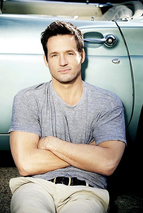 Josh Hopkins fashion