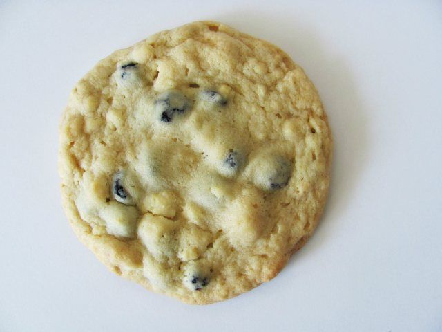 Blueberry & Cream Cookies | chewy-soft cookies | Pinterest
