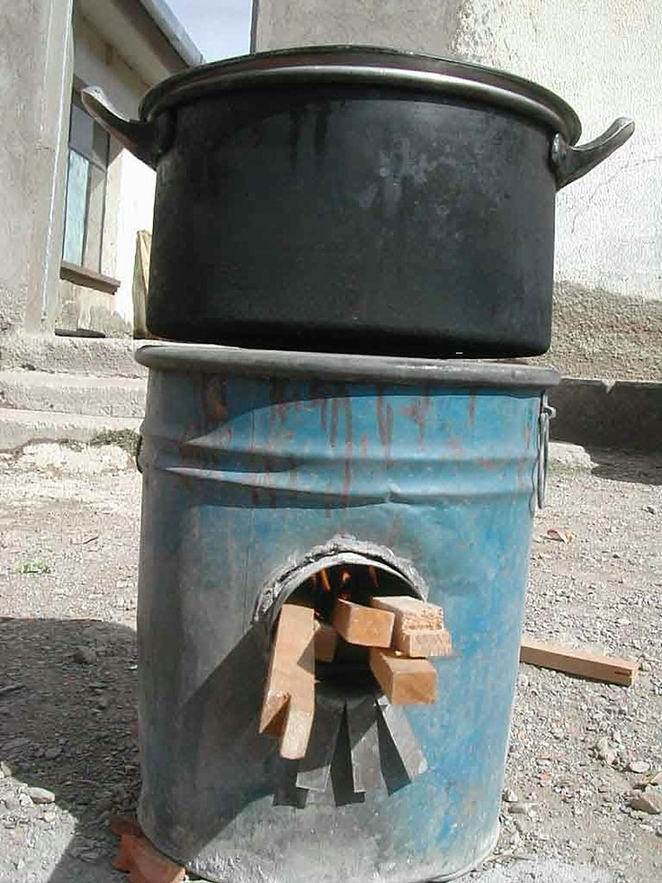Rocket Wood Stove : Rocket stove. Looks smart to have around, especially if your power ...