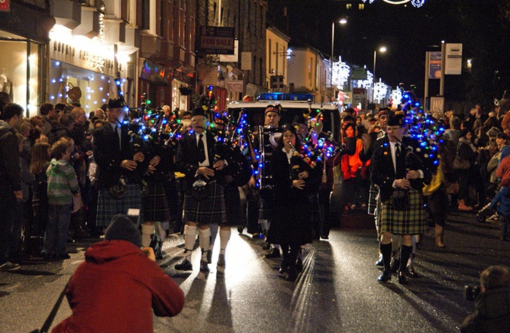 Kernow Pipes and Drums at the end of the Truro City of Lights Parade by @Charles Winpenny