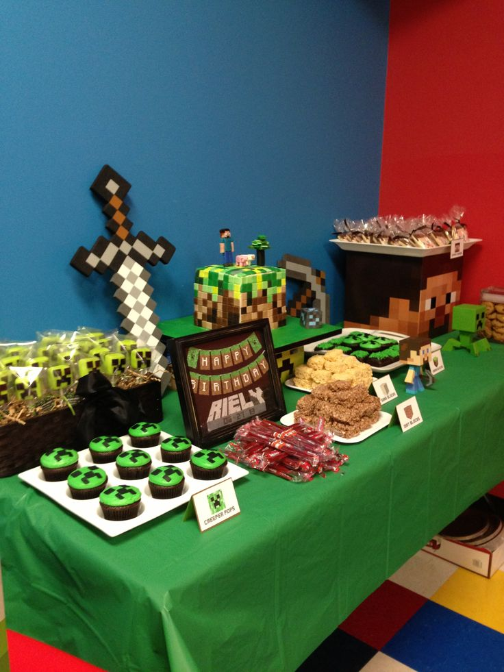 Minecraft dessert table children 39 s party food pinterest for Table 52 dessert