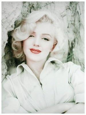 Marilyn Monroe crystal white