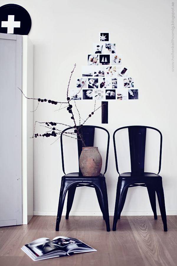 ポストカードや写真を壁に飾る