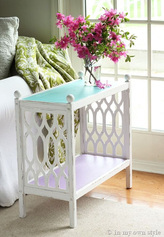 Thrift store table makeover using diy chalk paint