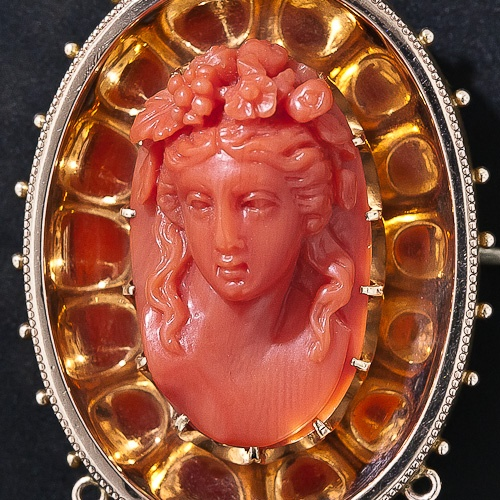 Викторианской 14К розового золота и резного Coral Брошь