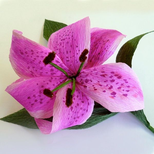 how to make lily flower with crepe paper