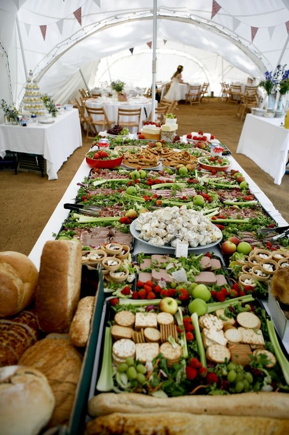 Catering ideas food and buffet displays pinterest for Buffet cuisine en pin