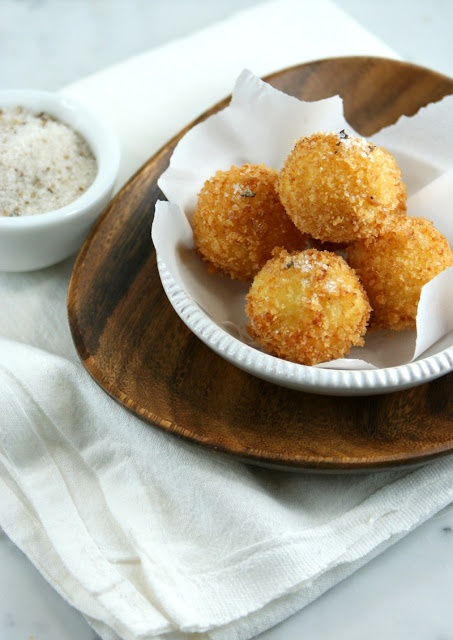 Fried Mozzarella Balls! This recipe made the best home made Mozzarella ...