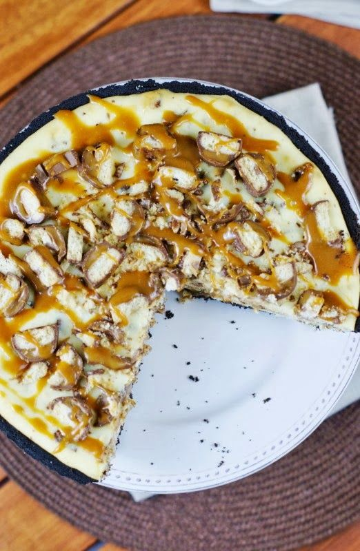 The Kitchen is My Playground: Twix Cheesecake Pie {& Brandon LaFell's...