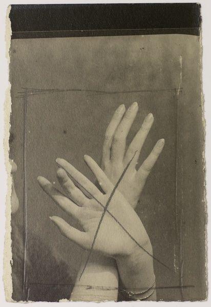 Man Ray — Mains, 1925