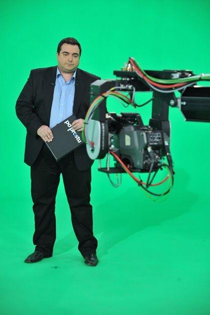 """""""Po prostu. Program Tomasza Sekielskiego"""". Pierwsza próba przed kamerą (fot. Ireneusz Sobieszczuk/TVP)"""