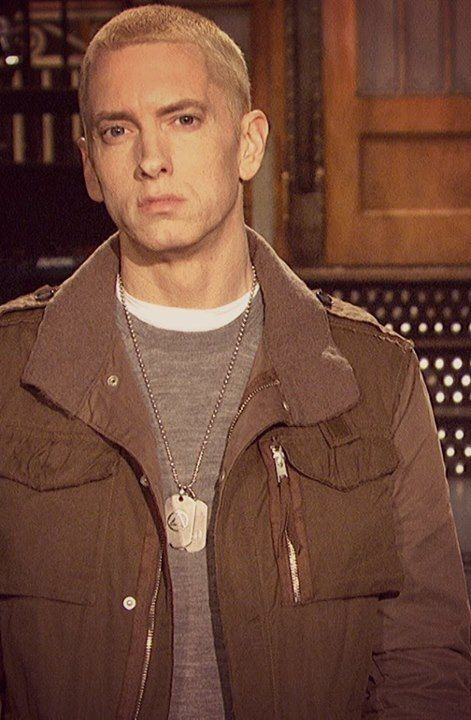 Eminem Vs. Lil Wayne: Who's the Better Rapper?