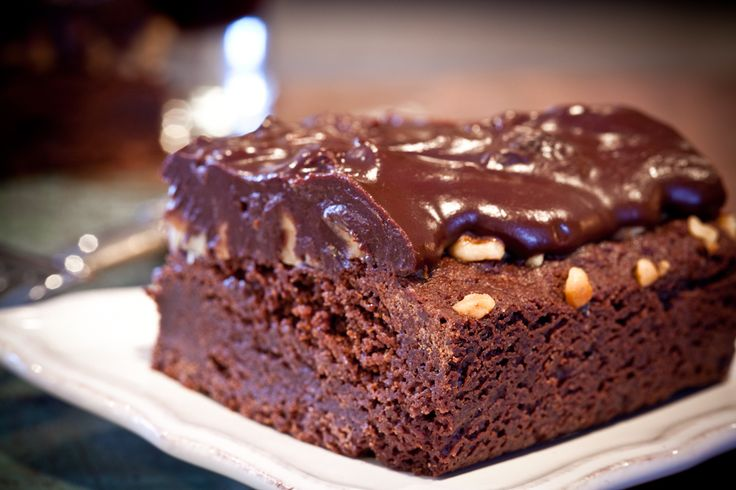 Brownies with Cherry Port Sauce   Recipes Traybakes   Pinterest