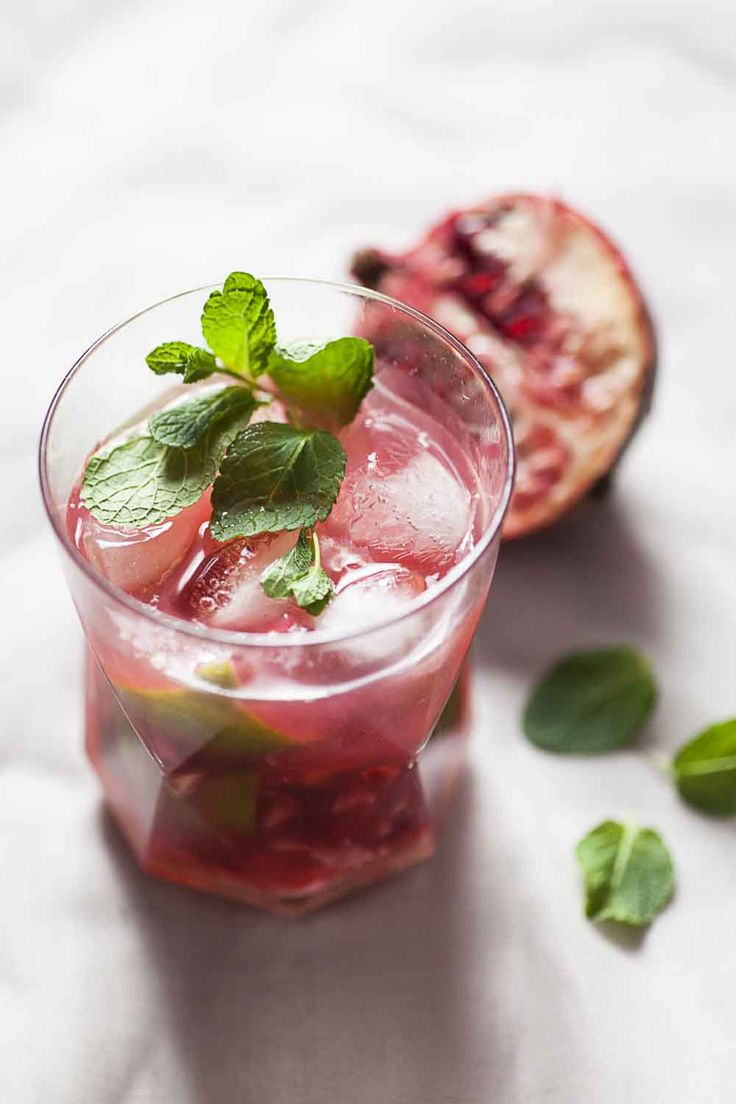 pomegranate mojito | Recipes to Cook | Pinterest