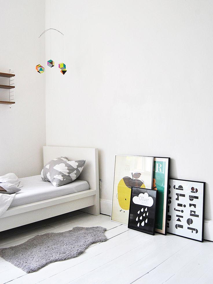 Minimalist boys rooms mommo design for Minimal kids room
