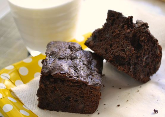Chocolate Chip Zucchini Brownies http://blogs.babble.com/family ...