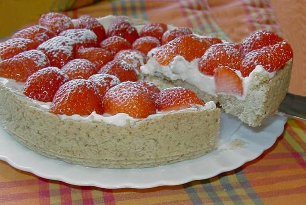Strawberry Cream Torte. Photo by Nic