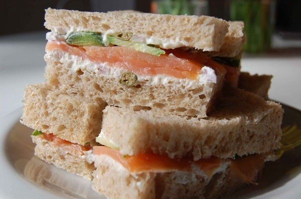 Tea sandwiches ... Smoked salmon | Wedding Ideas | Pinterest
