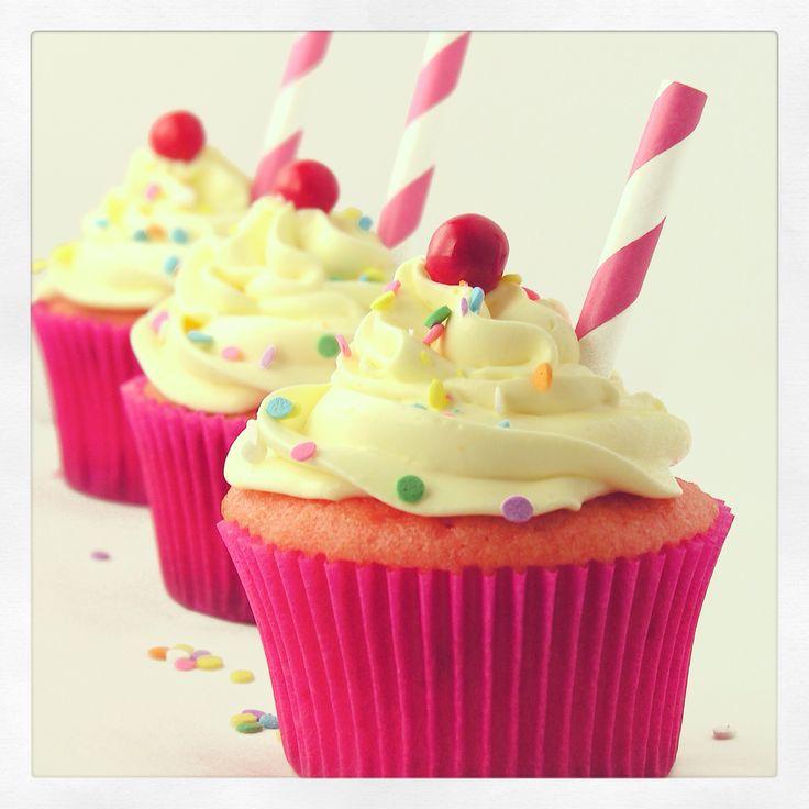 Pink lemonade cupcakes | Baking heaven | Pinterest