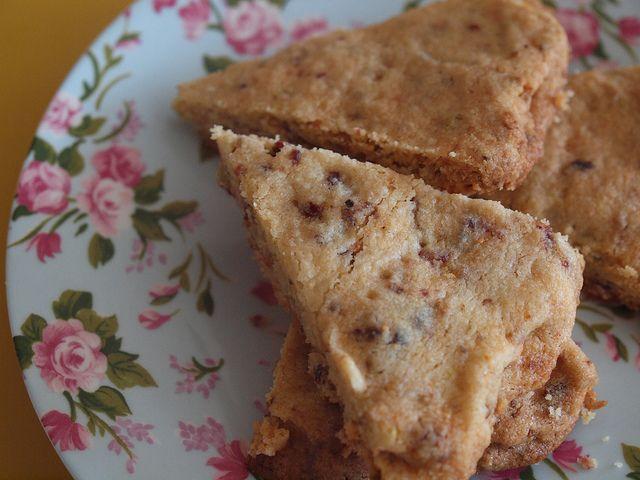 Retromummy's cranberry and pistachio shortbread