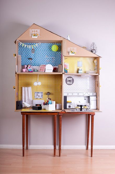 This dollhouse is cardboard! DIY Cardboard Dollhouse