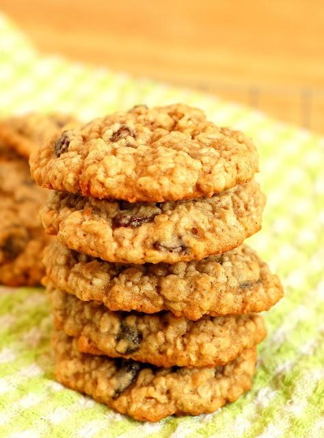 Perfect Chewy Oatmeal Raisin Cookies!