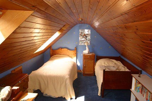 Small attic bedroom storage ideas small space bedrooms for Small attic bedroom designs
