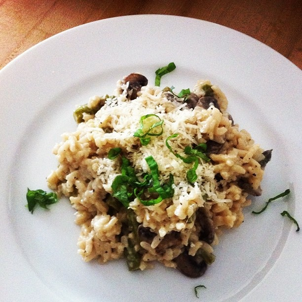 White wine risotto w/ ramps, mushrooms + asparagus; garnished with basil + truffle oil #SundaySupper @winetastinginfo