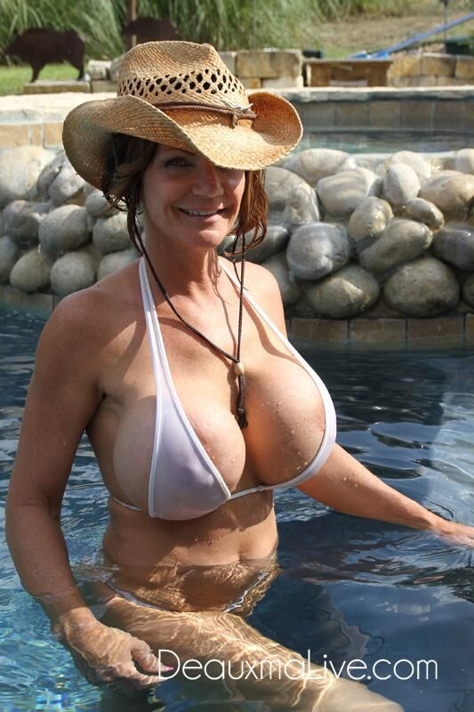 Free deepthroat galleries milf
