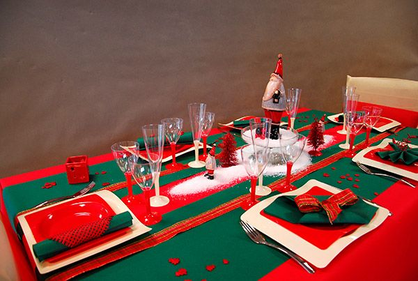 Table de noel rouge et verte no l christmas pinterest for Table noel rouge et blanc