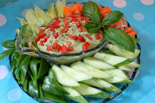 Lemon/Basil Hummus | My yummy picks | Pinterest