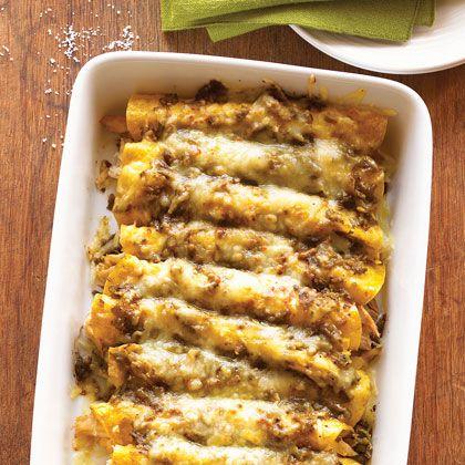 Easy International Recipes: Green Chile Chicken Enchiladas