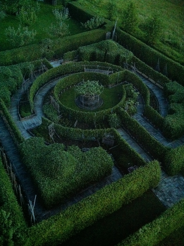 Garden Maze Labyrinths Pinterest Gardens