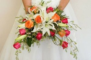 Pinterest discover and save creative ideas for Crescent bouquet